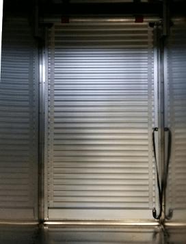 Rideau aluminium sur mesure pour véhicule