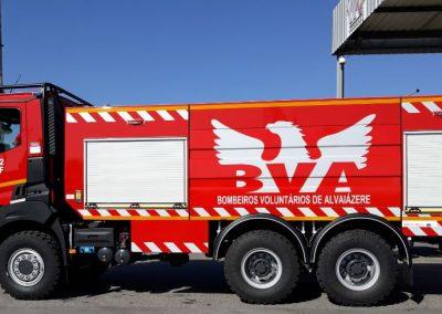 Camion équipé de rideaux aluminium