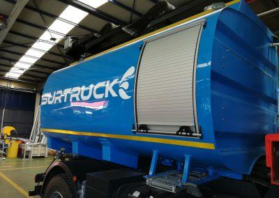 Camion de transport avec rideaux TOP